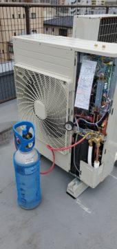 エアコンの配管工事